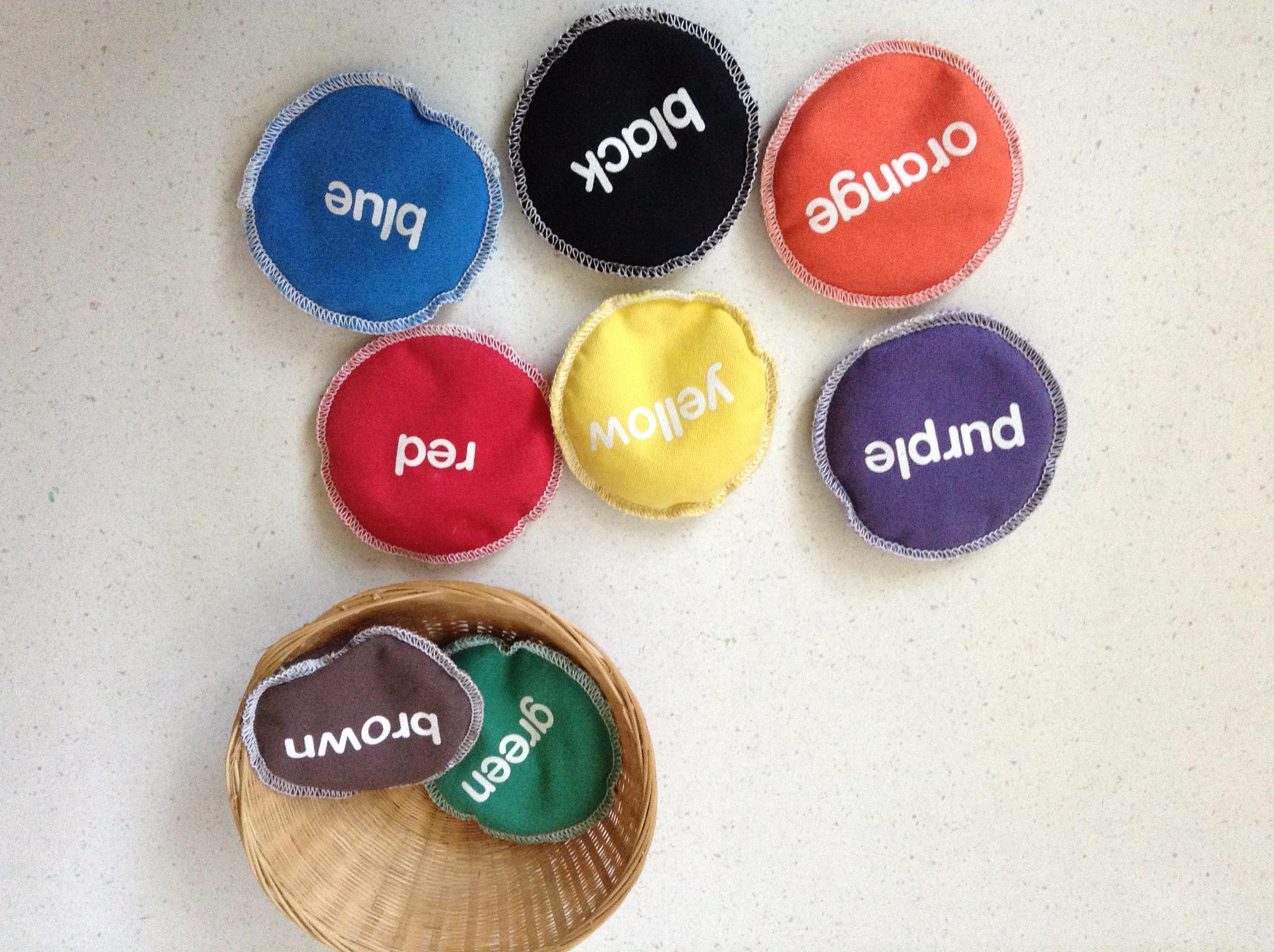 海外保育ボランティアで教わった遊び歌♪Throw the beanbag