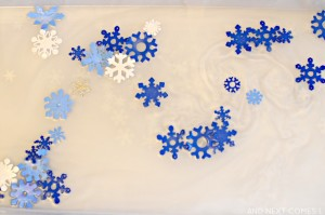 snowflake-scented-water-sensory-play-fine-motor-toddler-preschool-1