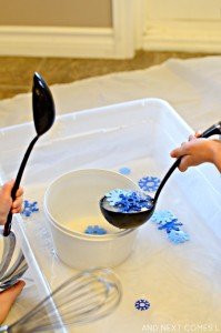 snowflake-scented-water-sensory-play-fine-motor-toddler-preschool-6