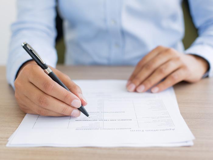 カナダで就職活動!仕事探しに使う英語の履歴書(レジュメ)の書き方を紹介します