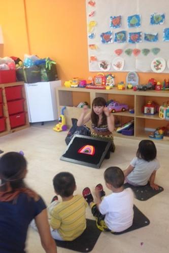Harukaさんの保育ボランティアパッケージ体験 - 保育園でのサークルタイム